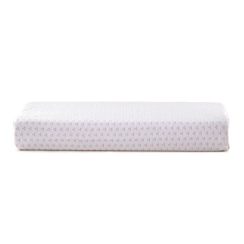 Anatomski jastuk od  memorijske pjene Lavanda Memory posebno je pogodan za sve koji vole da spavaju na boku ili leđima. Memorijska pjena kombinuje prednosti i karakteristike klasičnih jastuka i jastuka od lateksa. Savršeno se prilagođava obliku i pritisku tijela, savršeno podupire vrat i kičmu i opušta tijelo tokom spavanja. Navlaka se skida i pere na 40 °C.