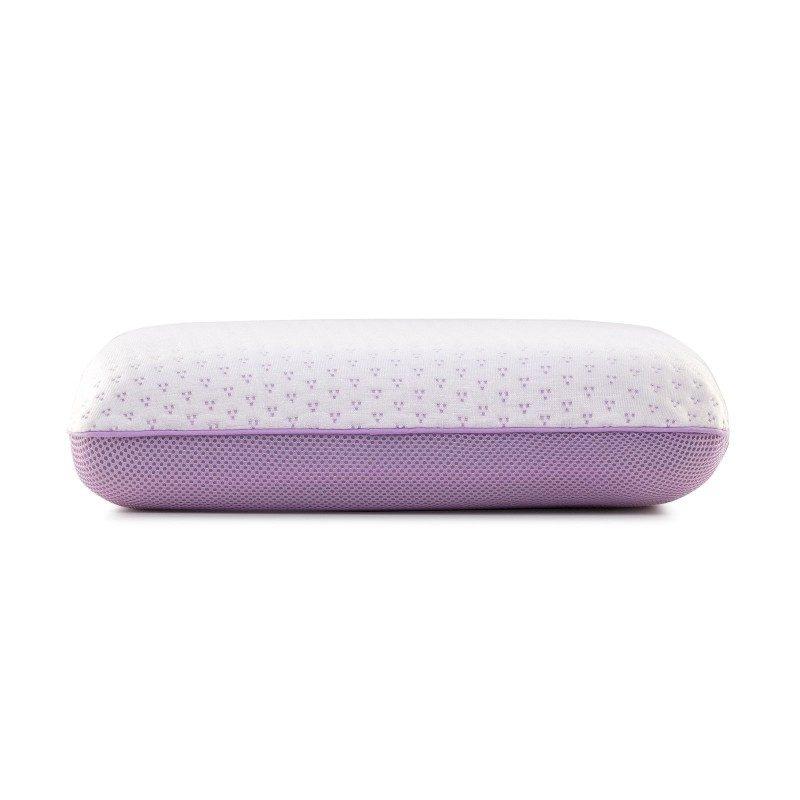 Klasični jastuk od memorijske pjene Lavanda Memory sigurno će vas uvjeriti u svestranost, jer je pogodan za sve položaje spavanja. Memorijska pjena kombinuje prednosti i karakteristike klasičnih jastuka i jastuka od lateksa. Savršeno se prilagođava obliku i pritisku tijela, savršeno podupire vrat i kičmu i opušta tijelo tokom spavanja. Navlaka se skida i pere na 40 °C.