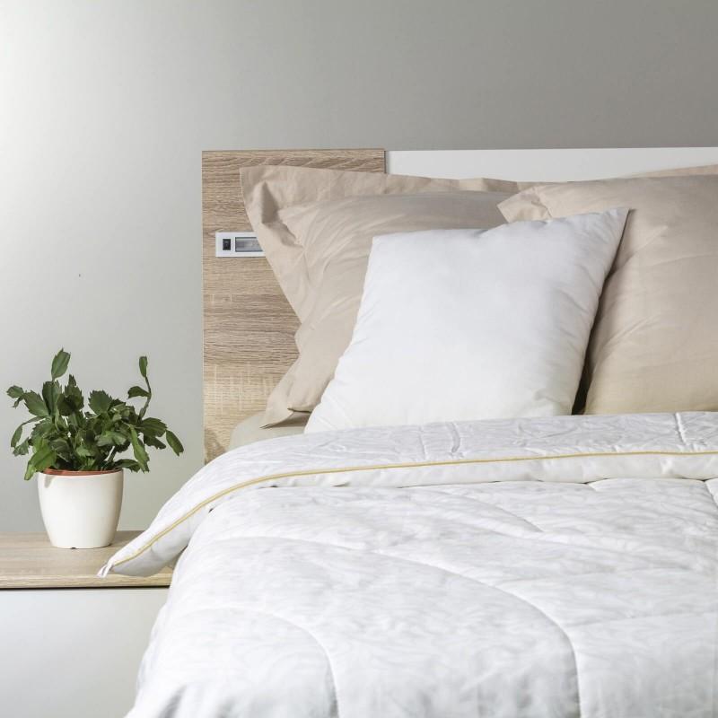Predstavljamo Vam najprestižniju liniju zimskih pokrivača Victoria's Silk, koji će Vas osvojiti svojim profinjenim izgledom i luksuznom udobnošću. Izuzetnu prilagodljivost svilenih niti karakteriziraju najbolja mehanička svojstva od svih prirodnih materijala. Što se tiče izbora za kupca, svila zasluženo stoji na prvom mjestu po kvaliteti.