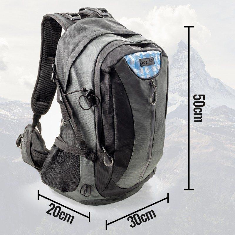 Ruksak za planinarenje je svojim oblikom i veličinom idealan za izlete i planinarenja. S praktičnim pretincima za dobru organizaciju prostora. Vodootporan. Sistem AirMesh – za bolji protok zraka na leđnoj strani.