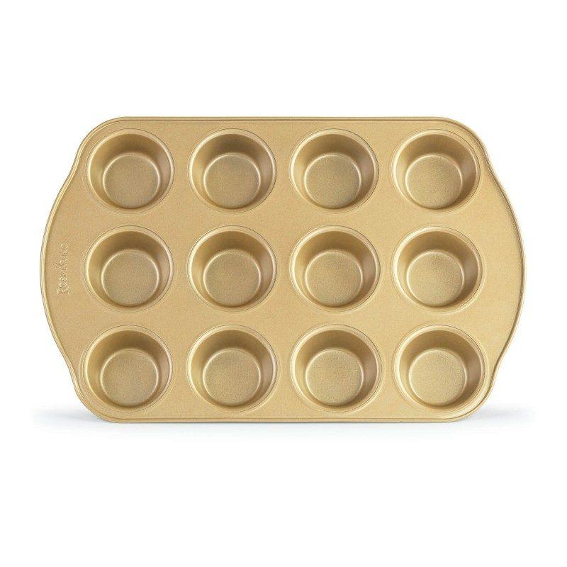 Pekač Rosmarino Baker Gold namijenjen je za pripremanje domaćih muffina. Efekt vrućeg kamena omogućava prirodan način pripreme kolača. Za 12 muffina. Pekač dimenzija 40,5 x 26,5 x 3 cm.