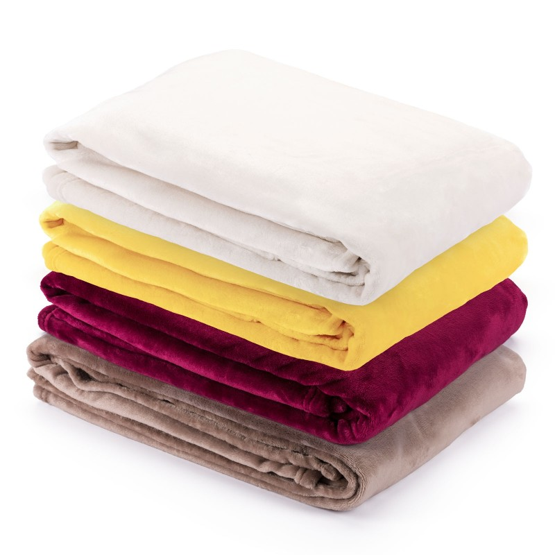 Mekani dekorativni prekrivač Anna od kvalitetnih mikrovlakana za prijatne trenutke i opuštanje gdje god da ste: u spavaćoj sobi, dnevnom boravku, na putovanju ili pikniku. Dekorativni prekrivač odličan je za poklon koji će razveseliti vaše najbliže. Prekrivač je periv na 40 °C.