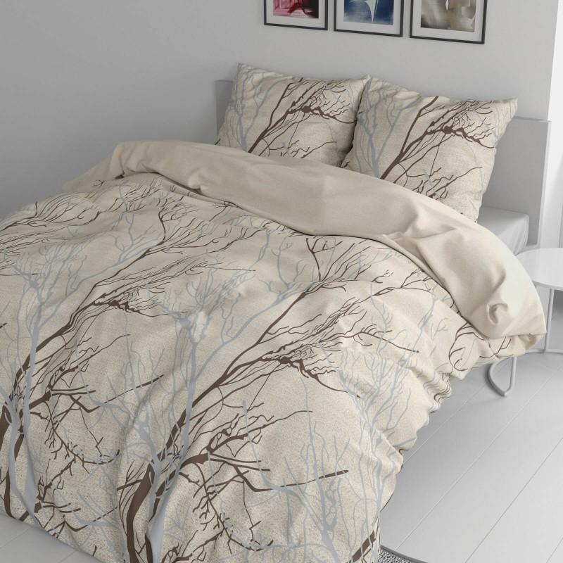 Vrijeme je za potpuno uživanje u modernim pamučnim posteljinama! Posteljina Lorna od renforce platna, mekane tkanine, jednostavne za održavanje. Posteljina je čudesan ukras vaše spavaće sobe, a u isto vrijeme odličan izbor za udoban i ugodan san. Posteljina je periva na 40 °C.