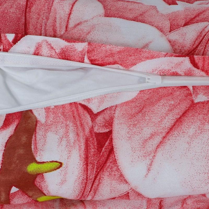 Vrijeme je za potpuno uživanje u modernim pamučnim posteljinama! Posteljina Ade od renforce platna, mekane tkanine, jednostavne za održavanje. Posteljina je savršeni ukras vaše spavaće sobe, a u isto vrijeme odličan izbor za udoban i ugodan san. Posteljina je periva na 40 °C.