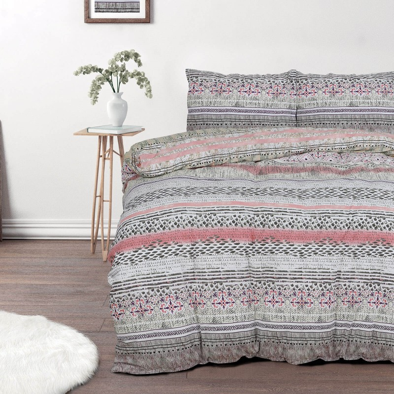 Vrijeme je za potpuno uživanje u modernim pamučnim posteljinama! Posteljina Tara od renforce platna, mekane tkanine, jednostavne za održavanje. Neka vas oduševi moderan dizajn s ornamentalnim uzorkom za udoban i ugodan san. Posteljina je periva na 40 °C.