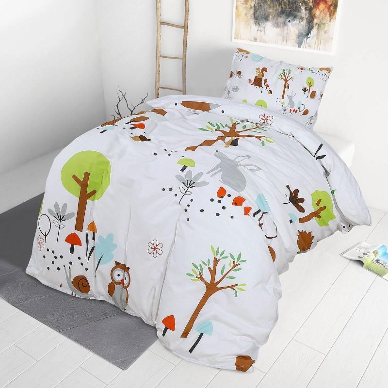Vrijeme je za miran i udoban san vaših najmlađih! Pamučna posteljina sa zanimljivim dječjim motivom koji će zasigurno oduševiti djecu i odvesti ih u čudesnu zemlju snova. Posteljina Woodland od renforce platna, mekane tkanine, jednostavne za održavanje. Posteljina je periva na 40 C°.