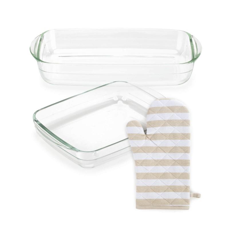 """Stakleni pekači Rosmarino Bake&Go (2600 ml) modernog dizajna. Vaš novi nepogrešiv """"pomoćnik"""" kod pečenja. Pekači od borosilikatnog stakla je čvrst i otporan na udarce ili mehanička oštećenja. Ne izlučuje štetne tvari u hranu i ne ostavlja umjetni okus ili miris na hrani. Pekač je otporan na visoke temperature u pećnici ili u mikrovalnoj pećnici, primjeren za pohranu u hladnjaku i pranje u perilici posuđa. Idealno pomagalo za pripremu lazanji, gratiniranih tjestenina, pečenje pita, mesa, povrća, riba i slično.  Veća kuhinjska rukavica izrađena od pamučnog platna s punjenjem od kvalitetnih mikrovlakana. Kvalitetan sastav garantuje otpornost na temperaturu do 200 °C. Rukavica je odličan dodatak u kuhinji koji štiti vaše ruke od zagrijanog posuđa. Na taj način izbjegavate opekline prilikom nošenja vrućeg posuđa ili vađenja pekača iz pećnice. S praktičnom zakačkom za jednostavnu pohranu. Moderan dizajn za lijepo uređenu kuhinju. Kuhinjske rukavice mogu se prati na 40 ° C."""