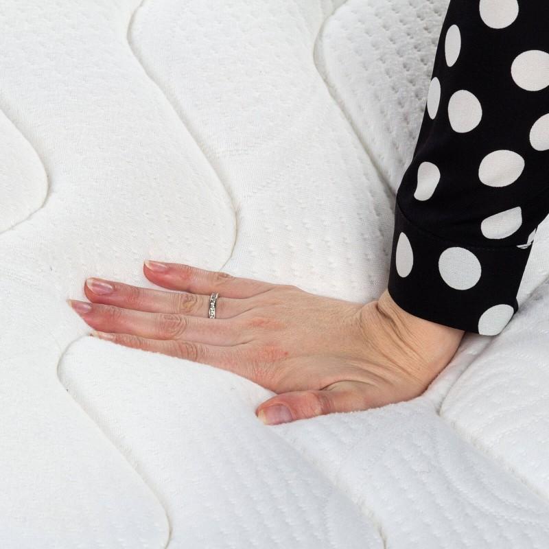 7-zonski madrac Hitex Zero Gravity 24 Memory visine 24 cm, pruža vašem tijelu potpunu podršku i udobnost, tako da ćete ujutru biti odmorni i naspavani. Nezavisne džepičaste opruge u kombinaciji sa dodatnim slojem filca u jezgru i slojem memorijske pjene osiguravaju pravilan položaj tijela i opuštajući san.