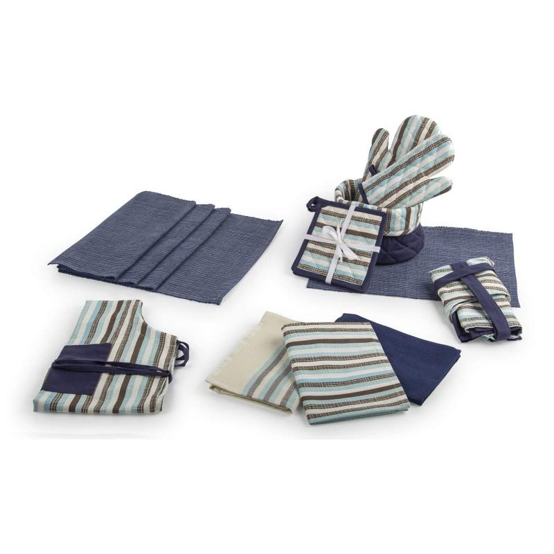 Set od dvije kuhinjske hvataljke izrađene od pamučne tkanine i visokokvalitetnog punjenja od mikrovlakana. Visokokvalitetni sastav pruža otpornost na toplotu do 200 °C. Na taj način nećete se opeći dok nosite posudu, takođe hvataljke možete koristiti kao podloge za posuđe. Moderan dizajn uljepšaće vašu kuhinju. Kuhinjske hvataljke mogu se prati na 40 °C.
