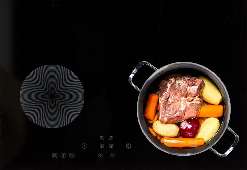 Primjerena za sve površine za kuhanje, uključujući i indukcionu